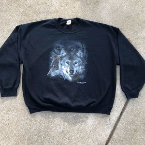 VTG Lost Creek Outfitters Gildan Wolf Print